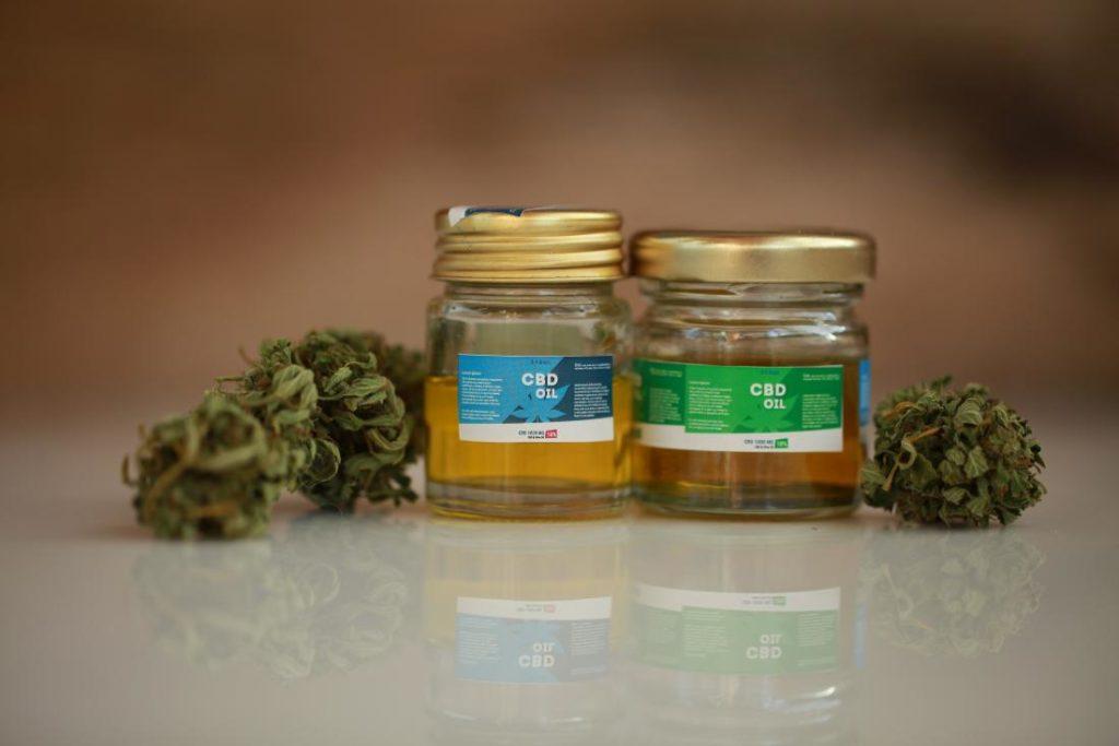 fibromyalgia, medical cannabis, treatment, cbd, thc, marijuana, weed, pot